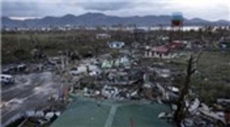 Filipinler'deki Haiyan tayfununda 10 binlerce kişi yaşamını yitirdi