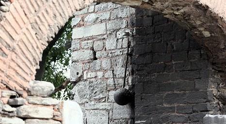 İstanbul'un fethinde kullanılan gürz halen Silivrikapı'da sergileniyor