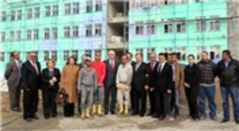 Hüseyin Avni Mutlu, Esenyurt'taki kamu binası inşaatlarını inceledi