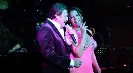 Aşkın Nur Yengi ve Selami Şahin, Günay Restauarant'ta konser verdi