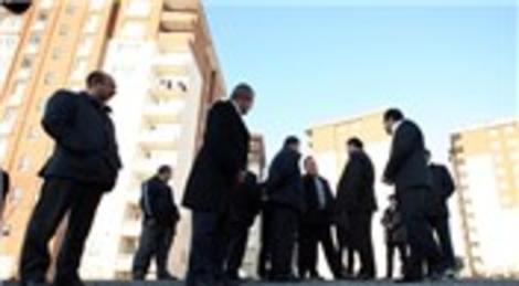 Azeriler Esenler'de kentsel dönüşüm projelerini inceledi