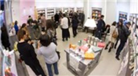 Yeni Armada AVM'de dünyadaki en büyük Durance mağazası açıldı