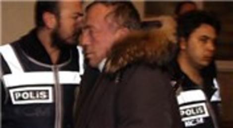 Ali Ağaoğlu'nun gözaltındaki ilk görüntüsü