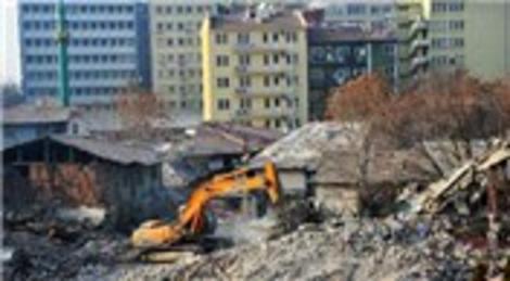 Ankara Ulus, metruk binalardan temizleniyor