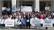 Balçova Arsa Mağdurları Konak Meydanı'nda eylem yaptı