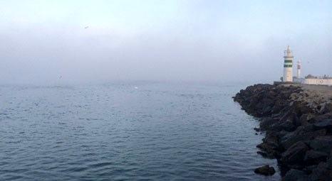 Çanakkale Boğazı yoğun sis nedeniyle gemi trafiğine tekrar kapatıldı