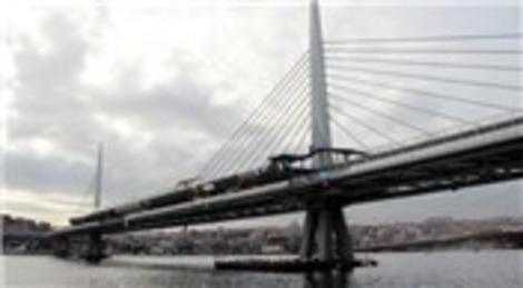 Haliç Metro Geçiş Köprüsü'nde dinamik test sürüşleri başladı