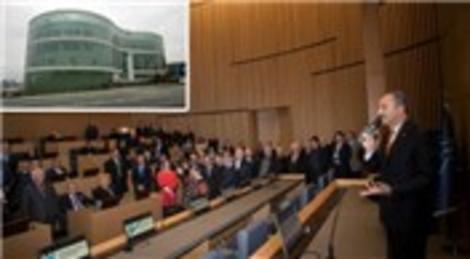 Küçükçekmece Belediyesi, yeşil sertifikalı binasında ilk toplantısını gerçekleştirdi
