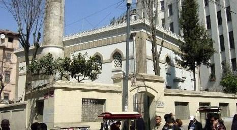 Beyoğlu'ndaki Hüseyin Ağa Camisi ibadete açıldı