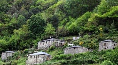 İspanya'da ev fiyatına köy satılıyor