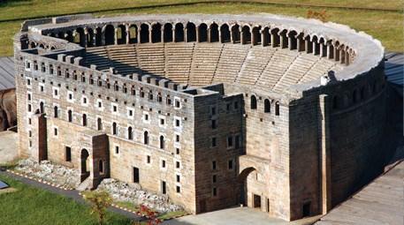 Aspendos Antik Tiyatrosu restorasyon nedeniyle ziyarete kapatıldı
