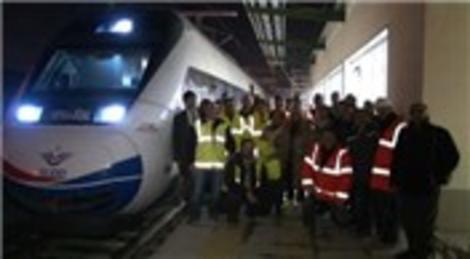 Yüksek Hızlı Tren ilk yolcuları ile İstanbul'a ulaştı