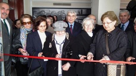 Bursa Büyükşehir Belediyesi  huzurevi sakinlerinin eserleri sergilendi