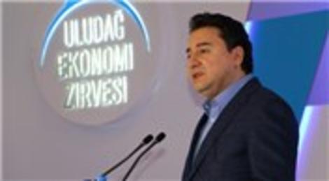 Ali Babacan Uludağ Ekonomi Zirvesi'ne katıldı