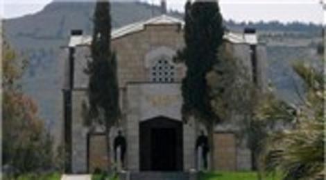 Süleyman Şah Türbesi 'vatan toğrağı'yla onarıldı