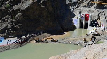 Artvin'de Yusufeli Barajı ve HES'te derivasyon tüneli açıldı