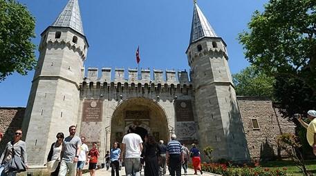 Topkapı Sarayı Müzesi turistlerin uğrak noktası oldu