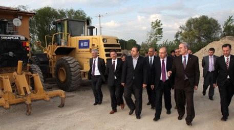 Recep Altepe Bursa Büyükşehir Belediyesi'nin şantiyelerini gezdi