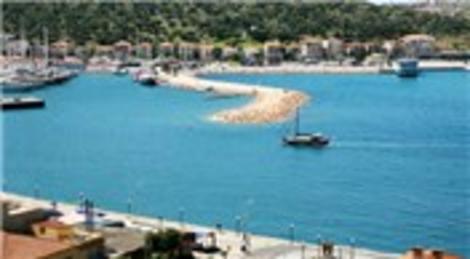 İzmir Çeşme'de icradan satılık ikiz villa
