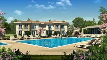 Bahçeşehir'de bahçeli bir ev, 123 metrekare 470 bin liraya