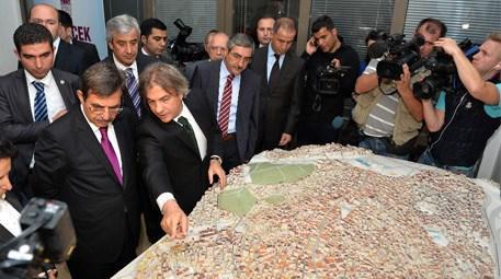 İdris Güllüce Tarlabaşı'ndaki kentsel dönüşümü yerinde inceledi