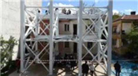 Türk bilim insanları, Ankara'da bir binada deprem deneyi yaptı