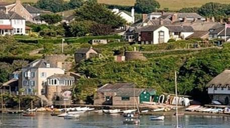 İngiltere Bartham'da sahibinden satılık köy!