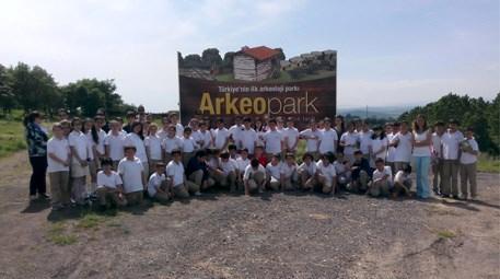 Bursa Arkeopark küçük ziyaretçilerini ağırladı