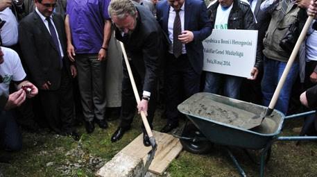 Bosna Hersek'teki Alaca Camisi yeniden inşa ediliyor