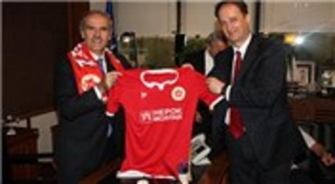 Recep Altepe Bosna Hersek'te yapılan stat için destek sözü verdi