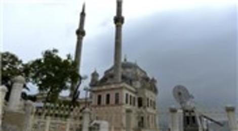 Ortaköy Büyük Mecidiye Camisi yeniden ibadete açıldı