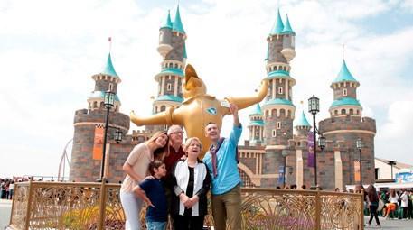 Babalar Günü'nde tüm babalar Vialand'de çocuk oluyor!