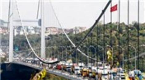 FSM Köprüsü'nde yangın meydana geldi