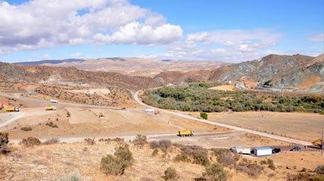 İzmir Menderes'te 10.7 milyon liraya arsa satılıyor