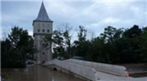 Edirne'deki Tunca Nehri taştı