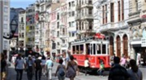 Beyoğlu'ndaki Mehmet Hilmi Çınçın İşhanı'nda 17 dükkan satılıyor