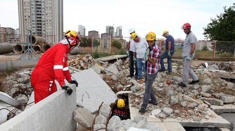 Ataşehir'de afet eğitimleri devam ediyor