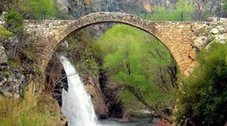 Uşak'taki tarihi Clandras köprüsü turizme kazandırılacak