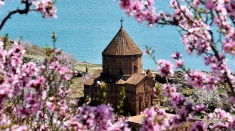Van Akdamar Kilisesi'nin UNESCO süreci başladı