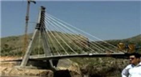 Lütfi Elvan, '2023'e kadar 1470 köprü inşa edilecek!'