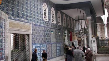 Eyüp Sultan Türbesi'nin restorasyon çalışmaları sürüyor