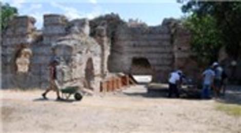 Sinop Balatlar Kilisesi'ndeki kazı çalışmalarında iskelet bulundu