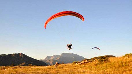 Hakkari dağlarında paraşüt keyfi