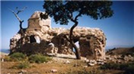 Bitlis Adilcevaz Kilisesi yıkılma tehlikesi yaşıyor