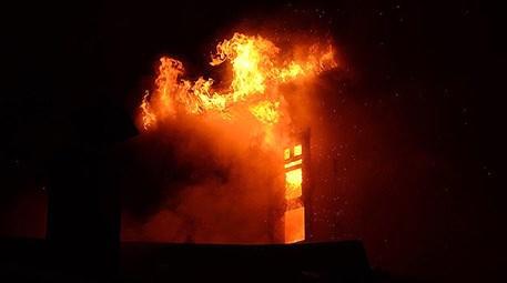 Ankara Kalesi civarındaki bir binada yangın çıktı!