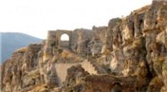 Kemah Kalesi'nde kazı çalışmaları yeniden başlatıldı