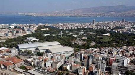 İzmir'in yeni kent bölgesinde satılık iki arsa!