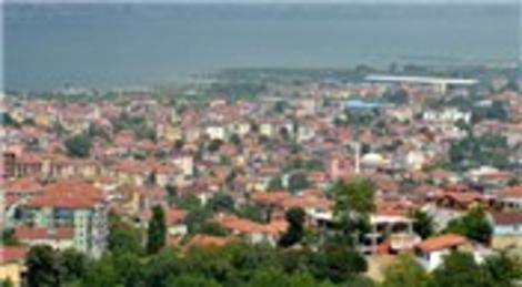 Marmara Depremi'nden sonra küllerinden yeniden doğan şehir…