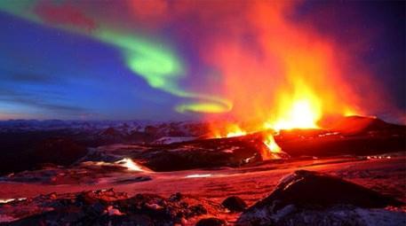 İzlanda'da turuncu alarm! Binlerce küçük deprem…