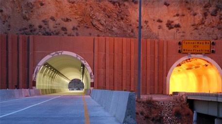 Carlin Otoyolu Tüneli'ni Schréder aydınlatıyor